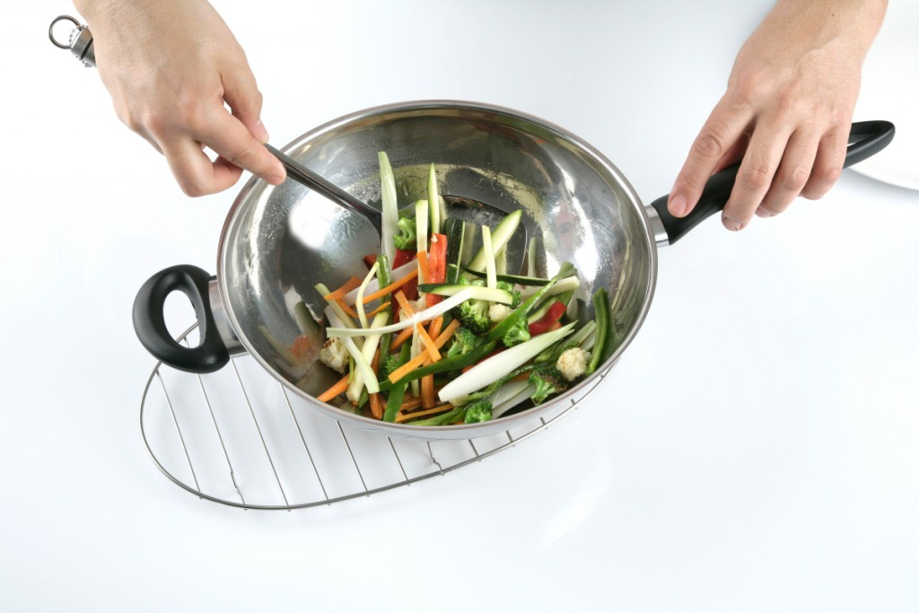 Cooking the vegetables in the wok
