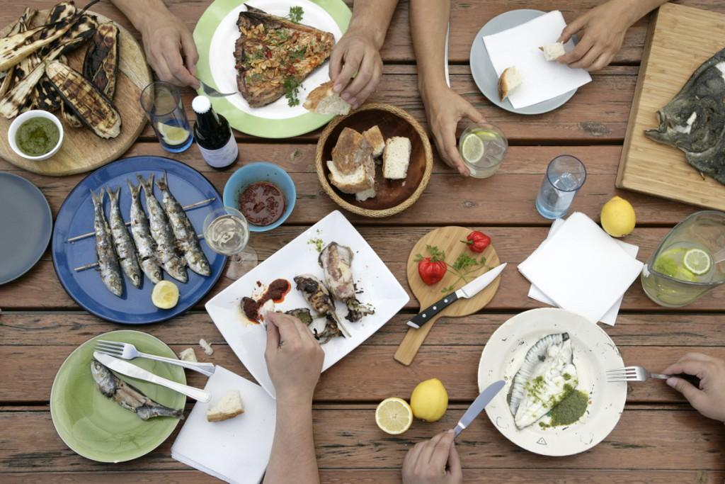 Barbacoa de pescado y marisco_ Mesa barbacoa