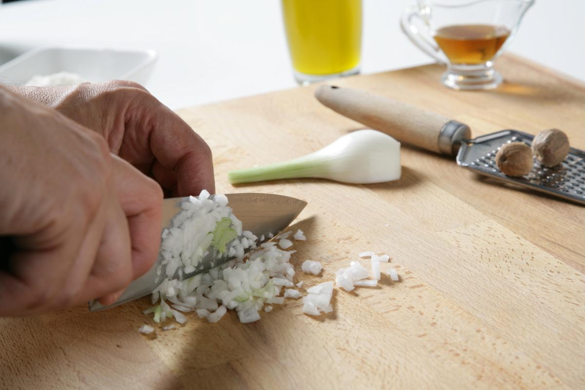 Picamos la cebolleta.
