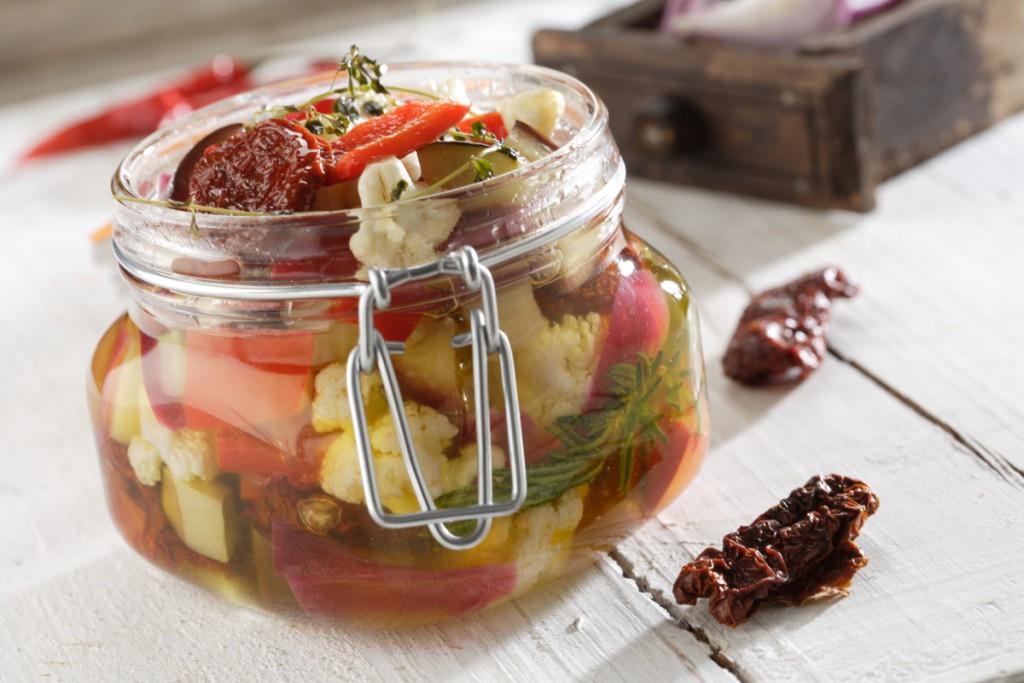 Como conservar verduras - Verduras encurtidas en bote