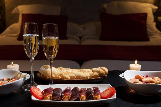 Rom ntica cena de san valent n en casa hcmn - Cena romantica in casa ...