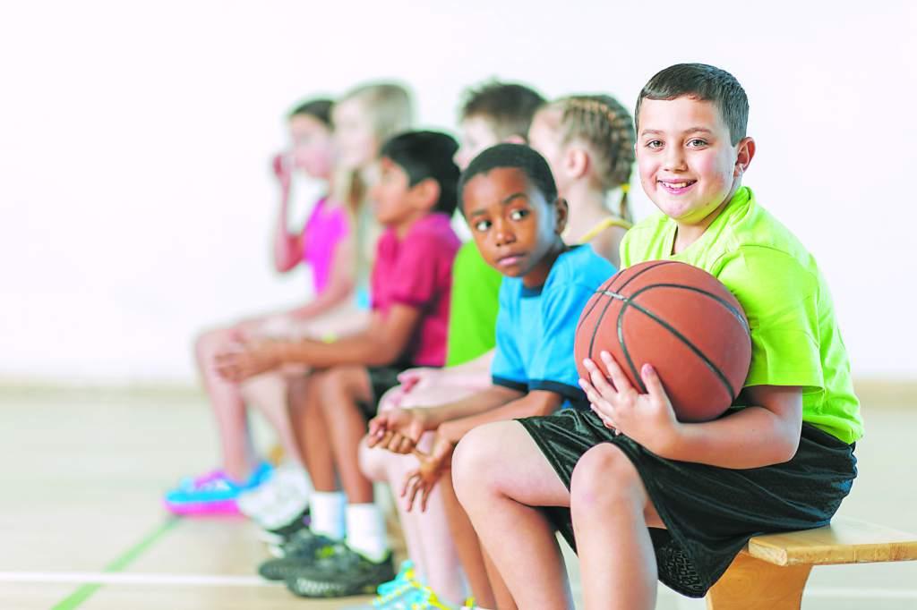 Baloncesto. Practicar deporte en edad escolar
