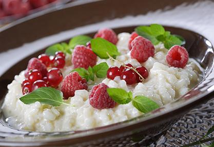 Arroz con leche y frutas
