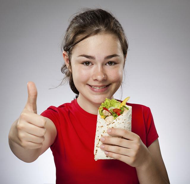 Los hijos y la vuelta al cole - Cómo enseñales a comer | HCMN