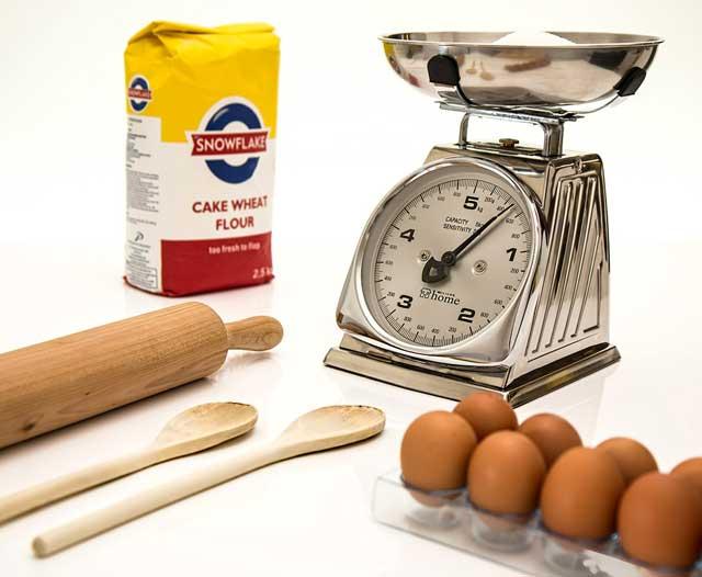 Cuántos gramos tiene una taza y su equivalencia | HCMN