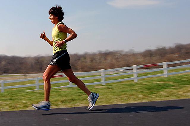 Conoce las claves de la alimentación de un deportista | HCMN