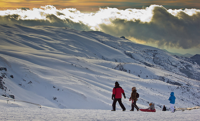 ¿Qué hacer con niños en invierno? ¡Te damos algunas ideas! | HCMN