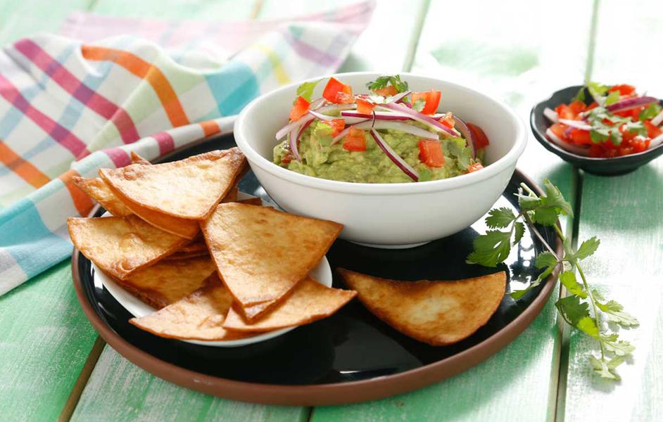 Tortilla chips con guacamole