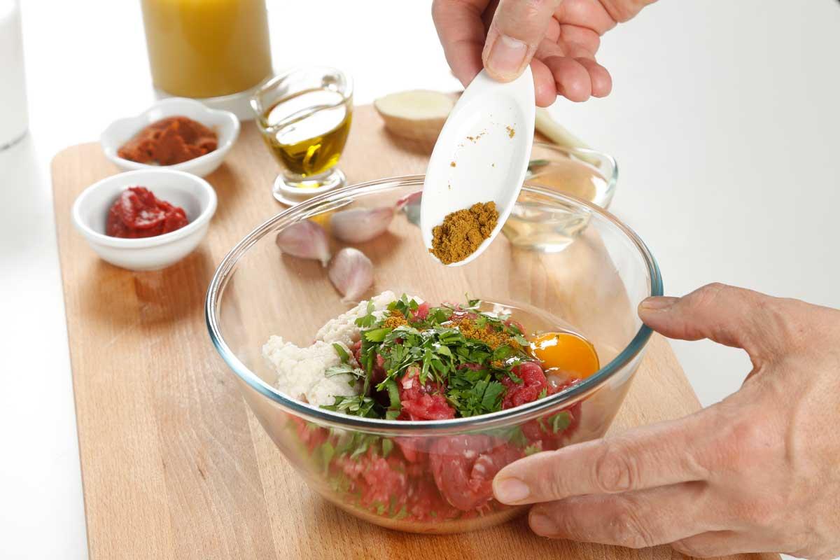 Mezclamos los ingredientes.