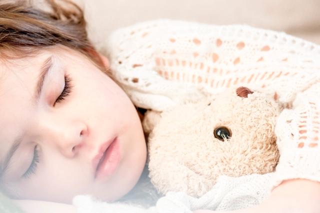 ¿Influye la alimentación en los trastornos del sueño de tu hijo? | HCMN