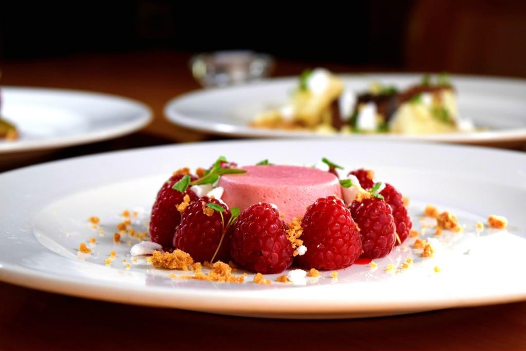Jugosa, dulce y deliciosa, así es la frambuesa. Propiedades y usos | HCMN