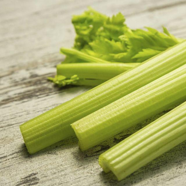 apio y otras verduras en juliana | HCMN